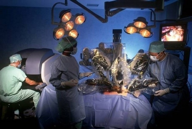 intuitive surgical, robot assisted surgery