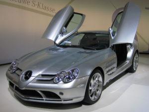 Mercedes-Benz_SLR_McLaren_2_cropped