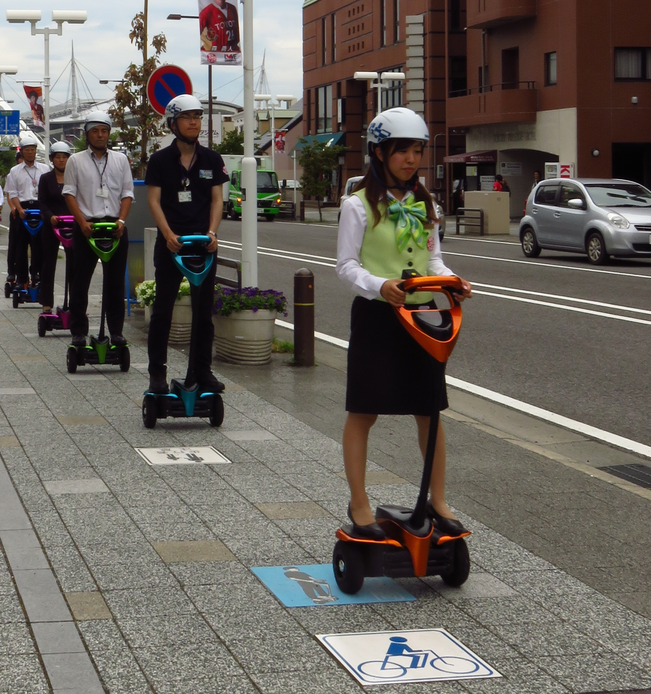 Toyota to take personal mobility robot onto Tokyo streets