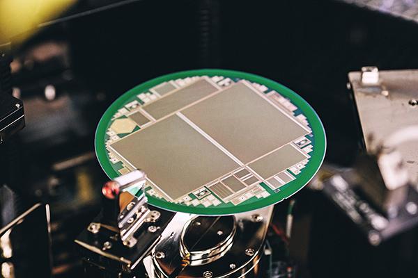 Infineon's Sensorchip for CERN