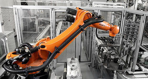 Kuka and Boll shorten production times for Daimler