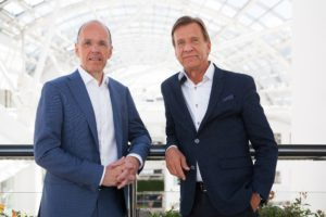 Jan Carlson, chairman, chief executive and president of Autoliv with Håkan Samuelsson, president and chief executive of Volvo Cars