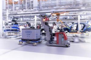 Driverless floor conveyor