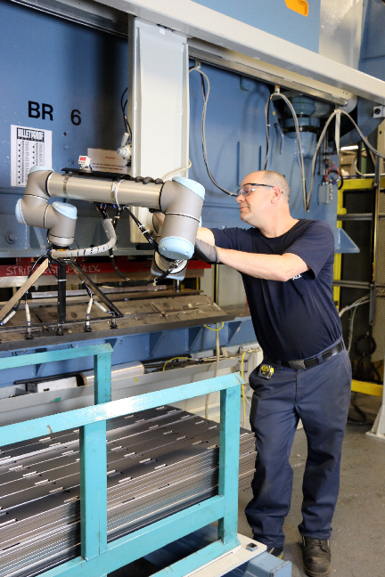 Etalex increases sales by '40 per cent' by using robotics and automation technology