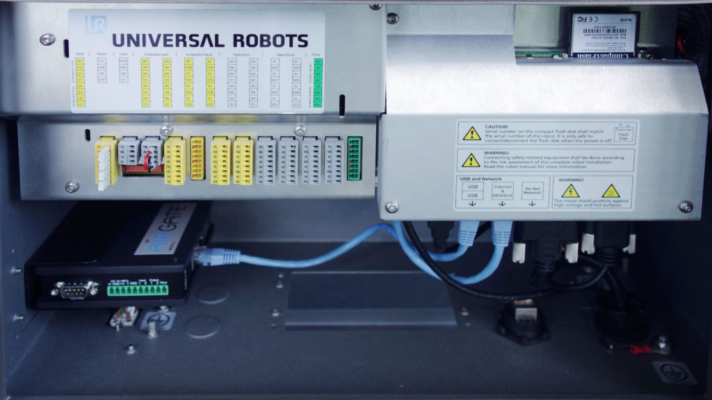 airgate for universal robots