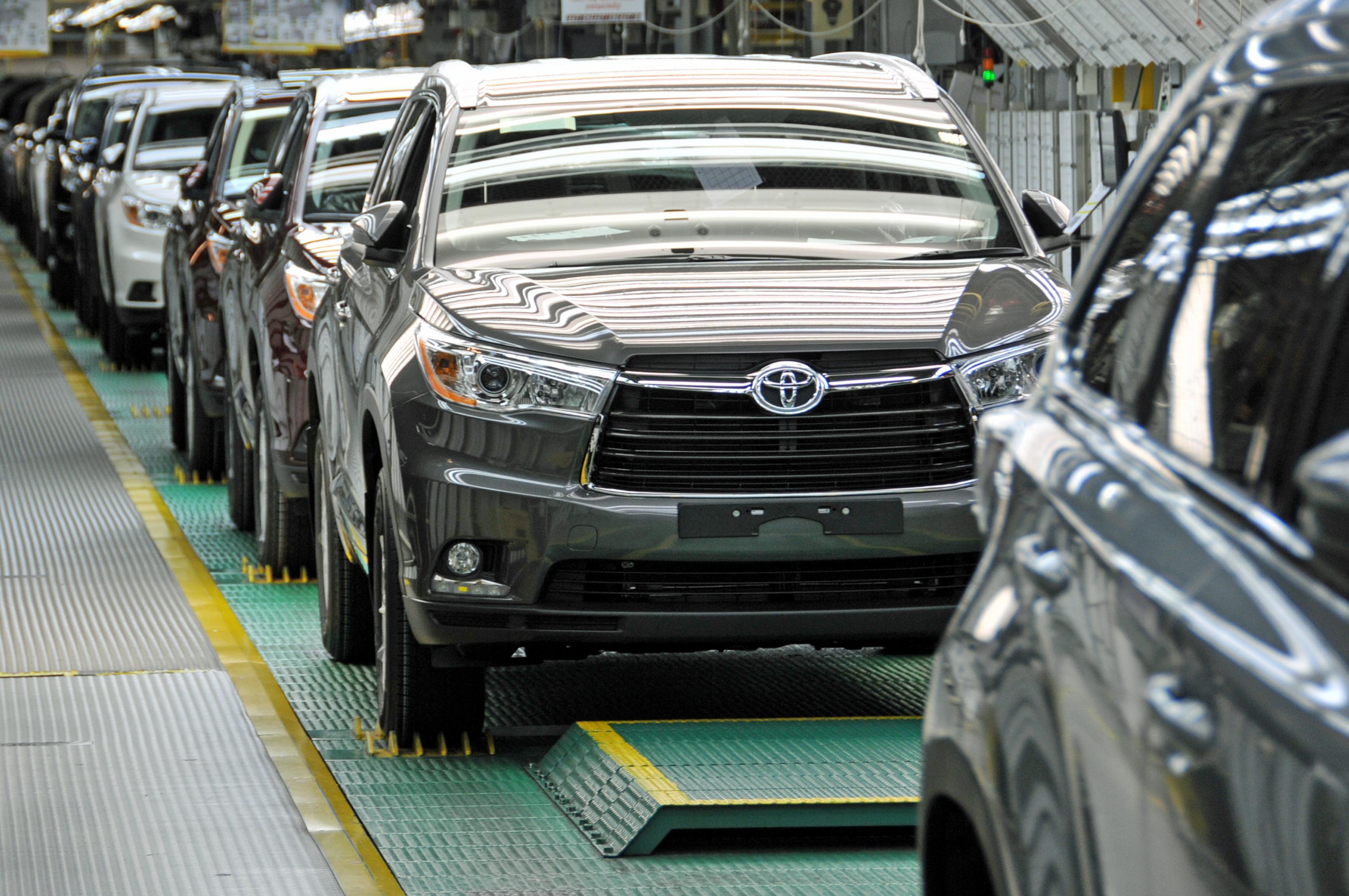 Worldwide sales of Toyota hybrids surpass 10 million units