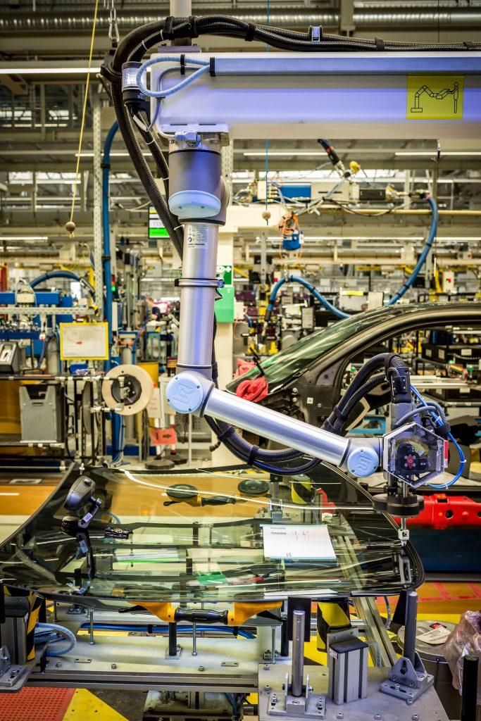 bmw robot window adhesive