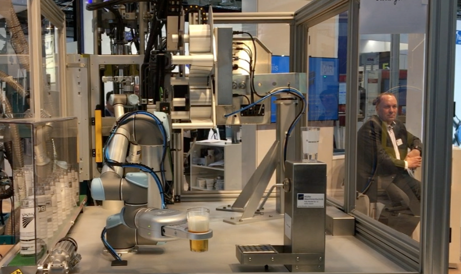 universal robot with beer