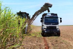 Volvo VM self-steering truck, sugar cane truck, harvest truck, self-steering , self-steering Volvo Truck, Volvo Truck, Volvo VM