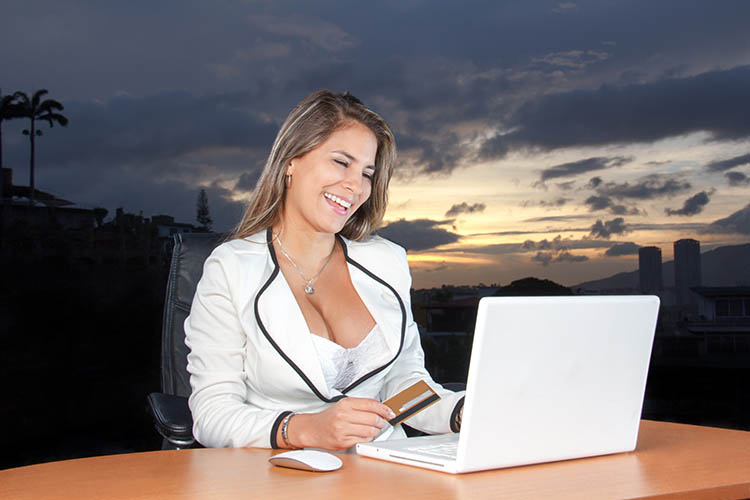 laptop-desk-computer-worker