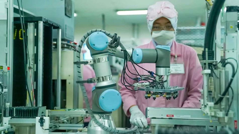 PT JVC universal robots indonesia 1