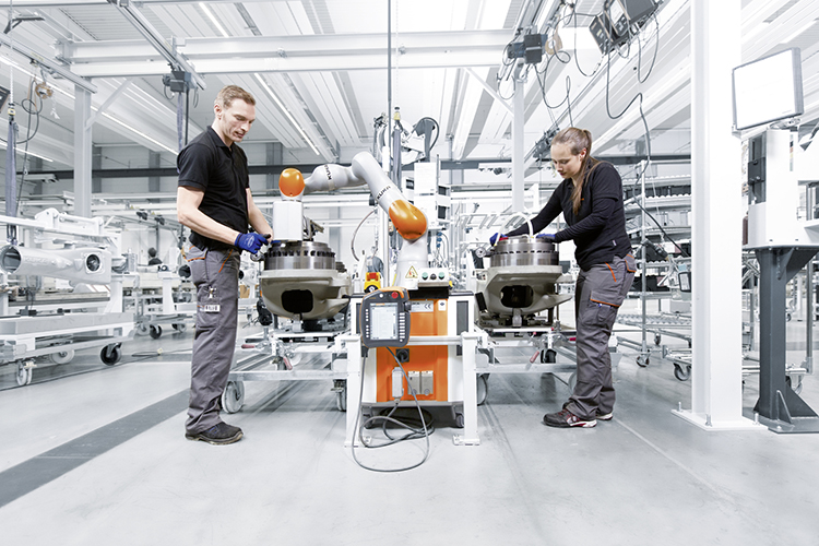automatica feature kuka-industrie-4 small