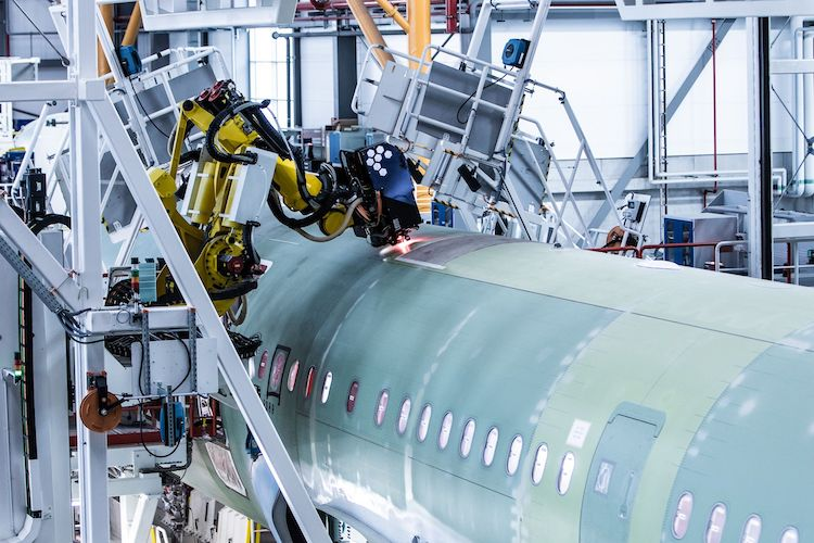 Axis-robot-4th-A320-Family-production-line-Airbus-Hamburg copy