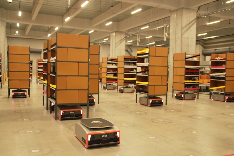 GreyOrange Butler warehouse photo copy