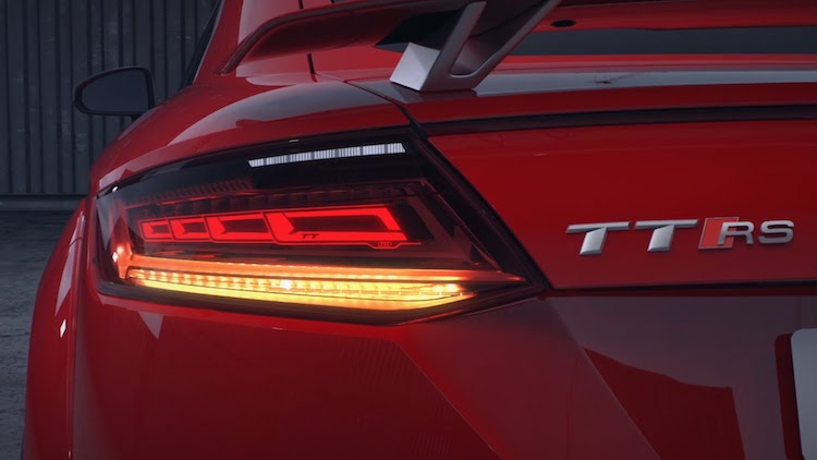 audi light Lighting-OLSA_Audi_TT_RS_ OLED copy
