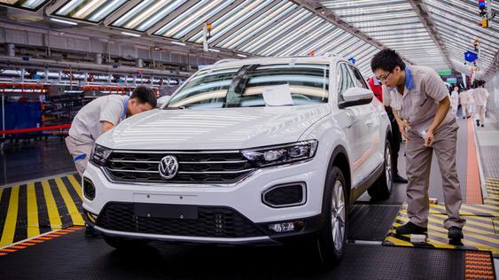 Volkswagen chooses Siemens for its industrial cloud