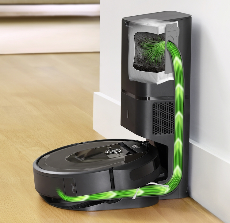 Roomba i7 _CleanBase_Overlay copy