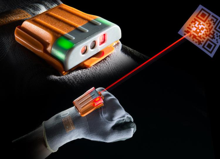 Workaround, ALBIS PLASTIC und BASF optimieren smarten Handschuh mit Ultramid® Vision / Workaround, ALBIS PLASTIC and BASF optimize smart glove with Ultramid® Vision