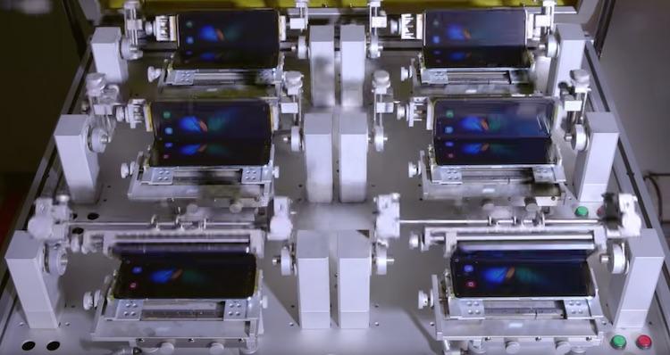 samsung galaxy fold testing robot copy