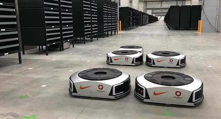 perfil milla nautica Funeral  Nike integrates robots from Geek+ into its Japan warehouse
