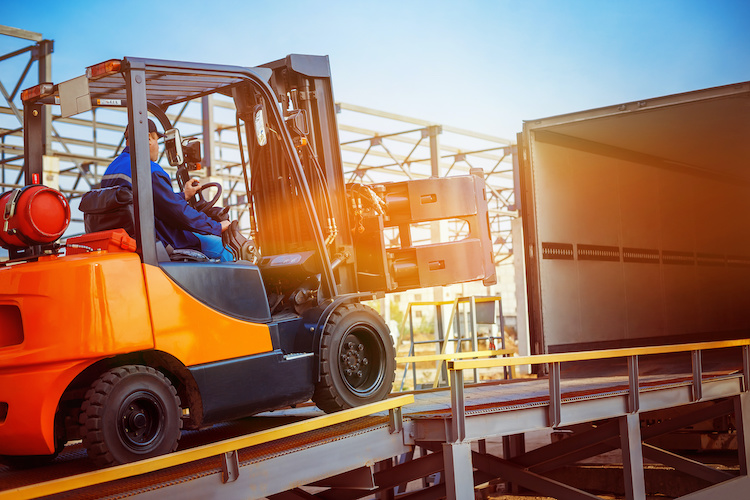 Top 5 Career Options You Can Gain from Becoming a Forklift Operator